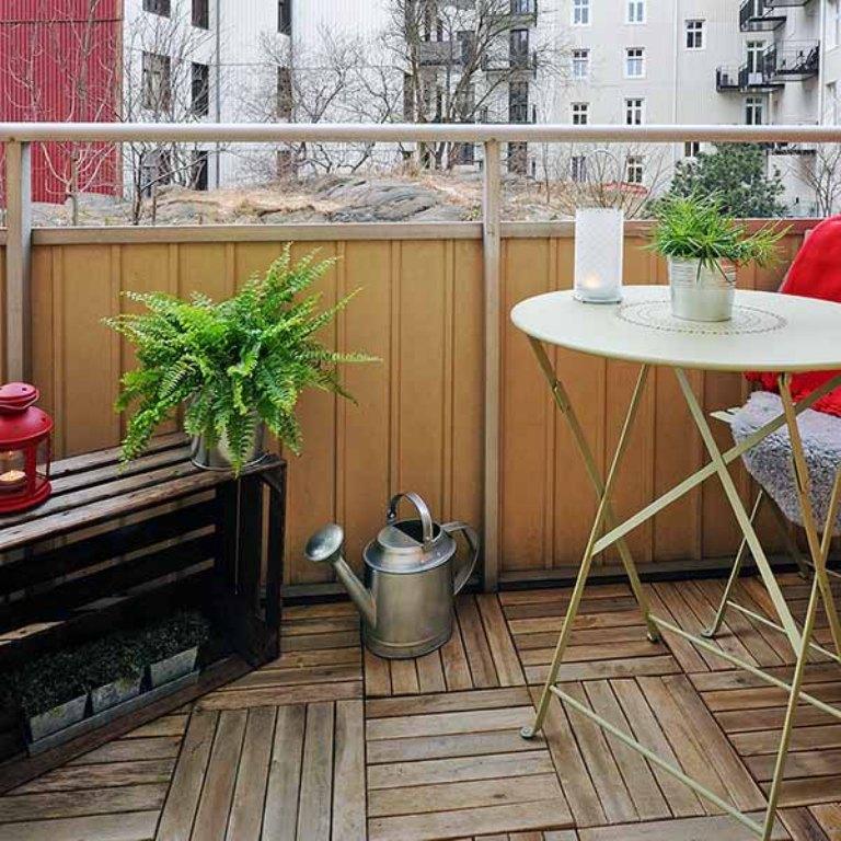Как оформить маленький балкон - фото и полезные советы.